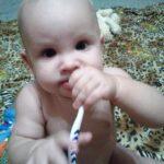 когда-надо-чистить-зубы-ребенку