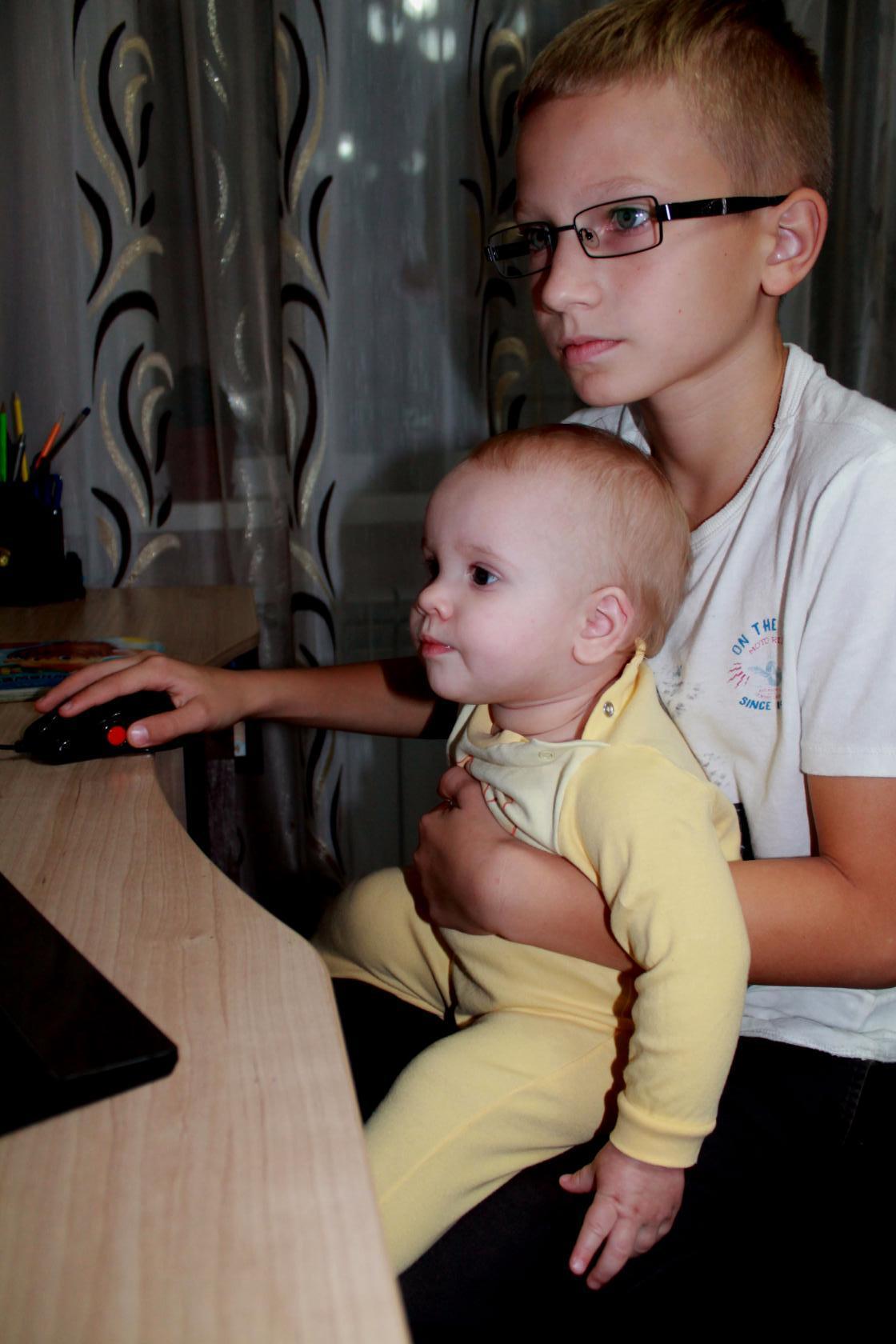 Тетя сосет у маленького мальчика фото 13 фотография