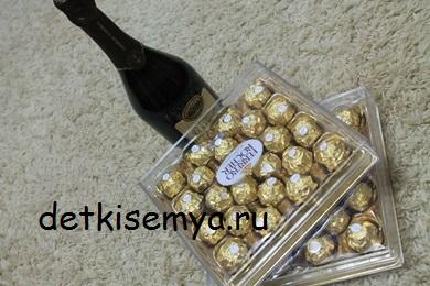 ananas-iz-shampanskogo-i-konfet-ferro-roshe
