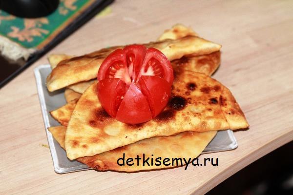 chebureki-s-zelenyu-recept