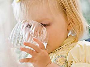 чем поить ребенка во время болезни