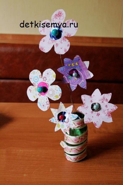 krasivyj-buket-cvetov-iz-bumagi