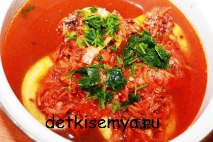 kabachki-tushenye-v-tomate