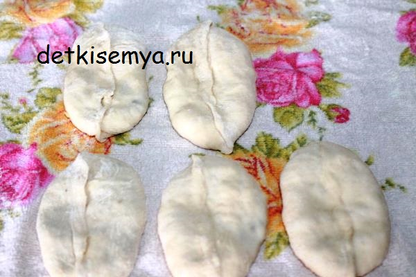 pirozhki-s-pechenkoj-recept
