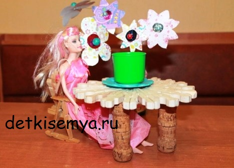 stol-dlya-barbi