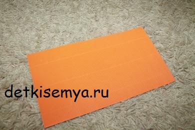 igrushka-s-gofrokartona-tematicheskaya-svoimi-rukami