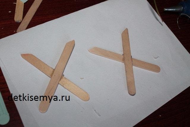 kak-sdelat-kukolnyj-stol