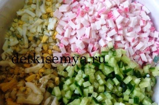салат с крабовыми палочками с фото