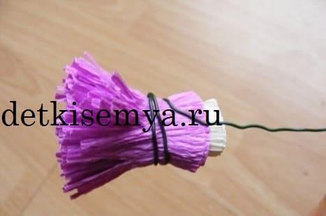 как скрепить цветок из бумаги
