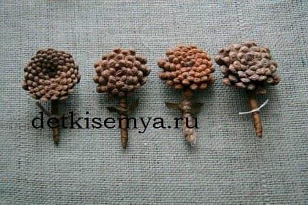 поделки из шишек для садика тема осень