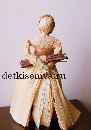 кукла из природного материала