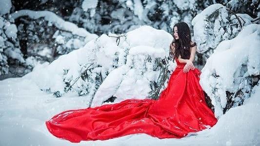 красное платье на новый год 2019