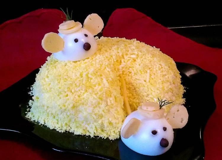 Салаты в виде крысы (мышек) на Новый год 2020: варианты новогодних рецептов